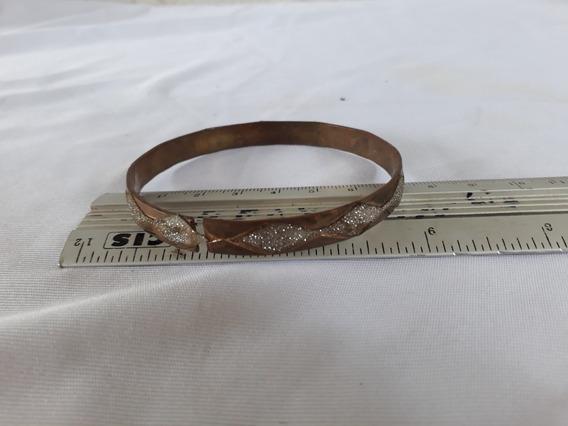 Pulseira Bracelete De Metal Velho Com Desenho Prateado C2917