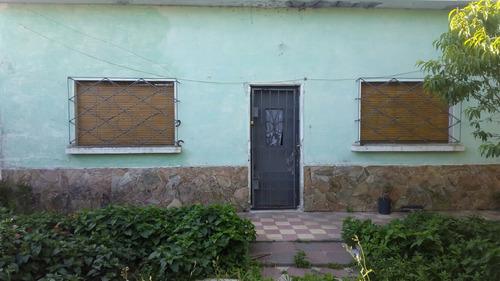 Venta De Casa Con Amplio Terreno En Av. San Isidro.