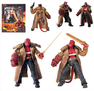 Hellboy Mezco Toys Legend Creation Golden Army