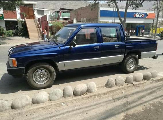 Camioneta Doble Cabina Toyota Hilux Año1989