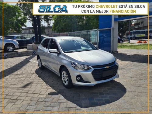Chevrolet Onix Lt 2022 Gris Plata 0km