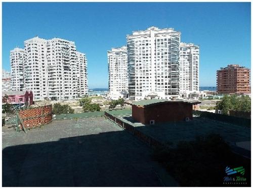 Apartamento En Punta Del Este, Mansa- Ref: 1024