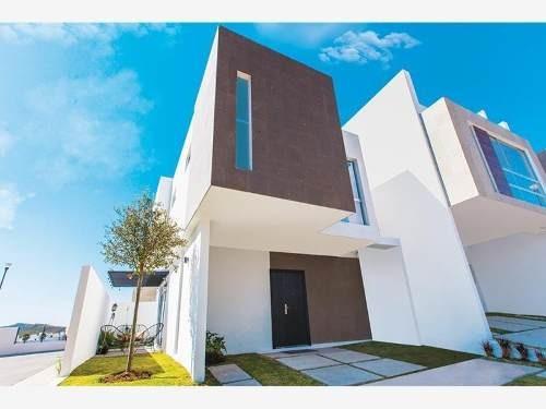 Casa Sola En Venta El Manantial Residencial