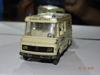 Siku Mercedes-benz Binz Rettungswagen Ambulância B920
