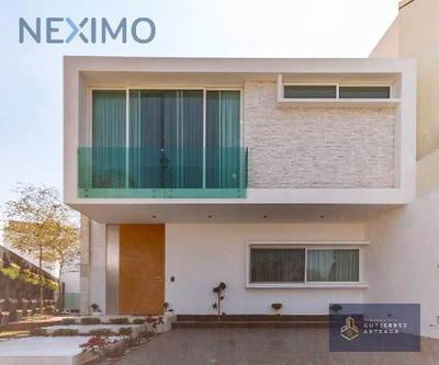 Renta De Moderna Residencia En Puertas Del Tule