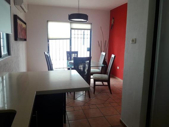 Renta Casa En Cancun, Residencial Gran Santa Fe, Amueblada!!