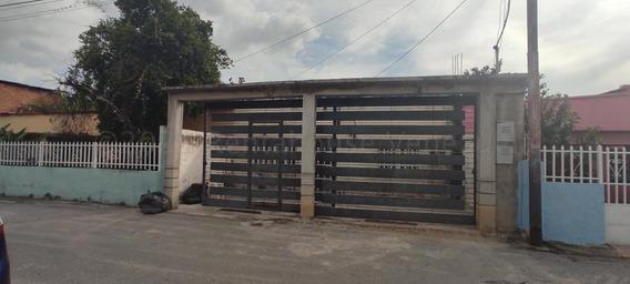 Casa En Venta El Limón, Maracay 21-13931 Hcc