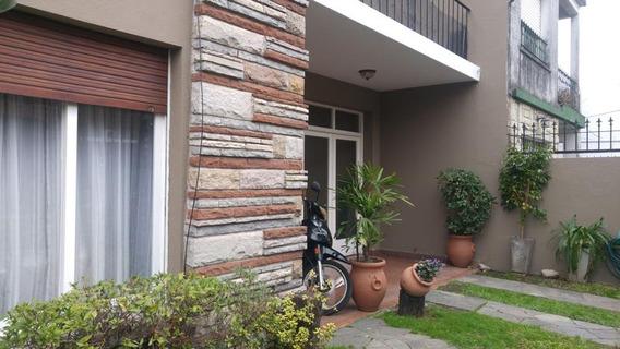 Casa - 4 Ambientes - Piscina - Cochera - Excelente Estado - Castelar Norte