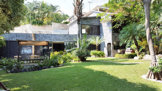 Casa En Privada En Club De Golf / Cuernavaca - Via-215-cp