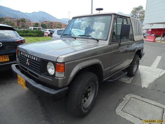 Mitsubishi Montero De Lujo