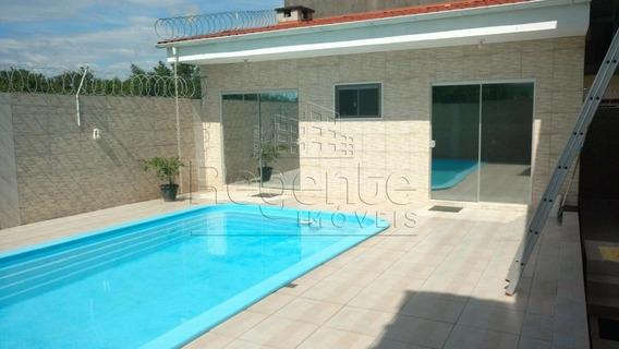 Casa A Venda No Centro Da Palhoca - V-76697