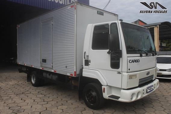 Ford Cargo 815 N - Ano: 2012 - Baú