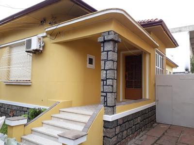 Casa C/3 Dorm No Bairro Navegantes- Porto Alegre