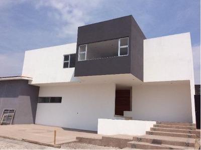 ¡¡ Estrena Hermosa Residencia En Fraccionamiento Exclusivo Vista Real !!