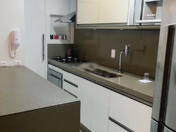 Apartamento No Bairro Canasvieiras Em Florianópolis - Lacn445