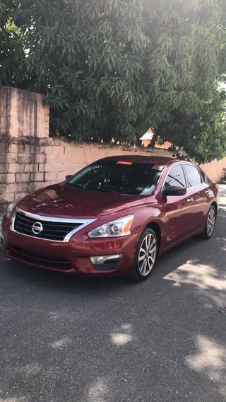 Nissan Altima Modelo S