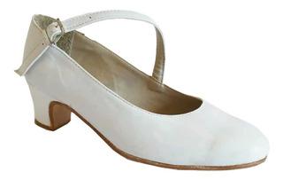 Zapatos De Folklore Y Español En Cuero Blanco