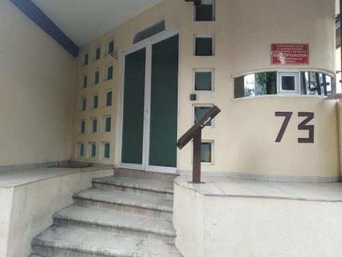 Departamento En Venta En Portales En Calzada Santa Cruz
