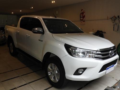 Toyota Hilux 4x2 D/c Srv Pack 2.8 Tdi 6 M/t