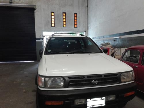 Nissan Pathfinder 4x4 Se 1998