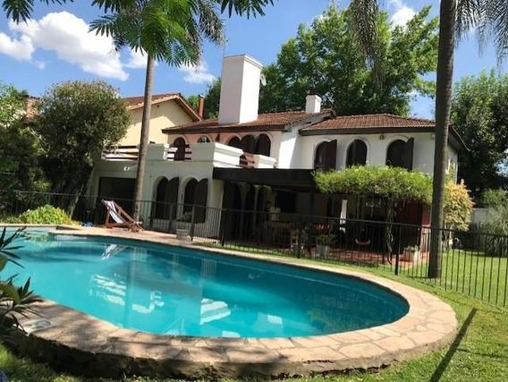 Casa Con Amplio Jardín, Quincho Y Pileta (dueño Directo)