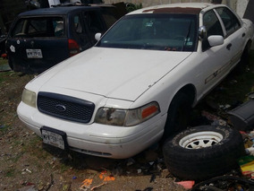 Ford Crown Victoria 4.6 S8a Police Interceptor 4p Mt 2002