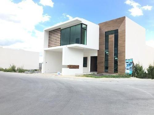 Casa En Venta En Venta En Rincon De Los Encinos Al Norte De Saltillo