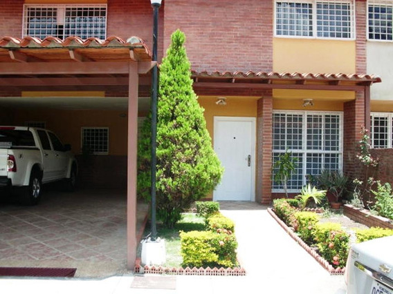 Townhouses En Guatire #20-13926