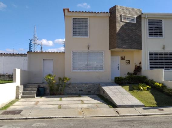 Town House Villas Del Golf Plaza