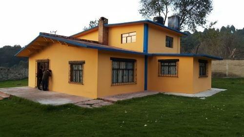 Casa Con Vista Al Bosque, Cuenta Con Chimenea