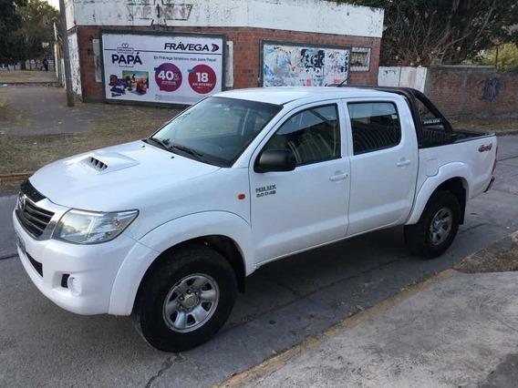 Toyota Hilux 3.0 Cd Sr C/ab 171cv 4x4 2014