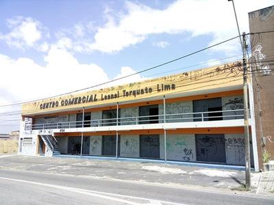 Loja Na Avenida Visconde Do Rio Branco Com Banheiro