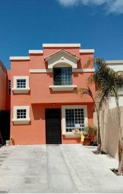 Casa Habitación En Venta, En Urbi Quinta De Cedros