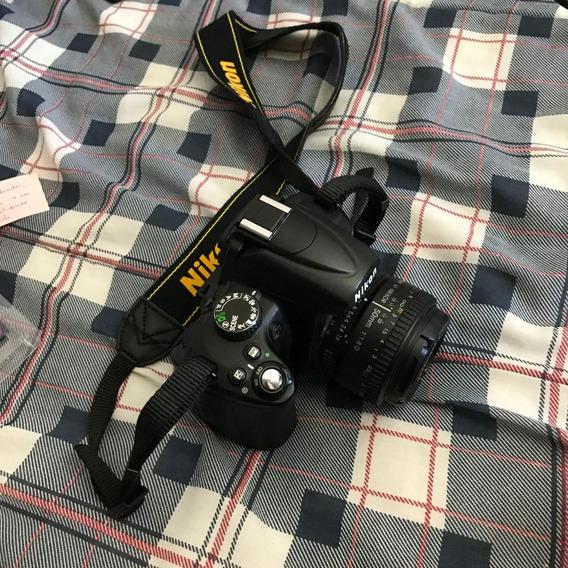Câmera Nikon D5000 + Lente 18-55mm