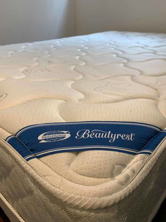 Sommier Simmons Beautyrest // 1,30 X 1,90