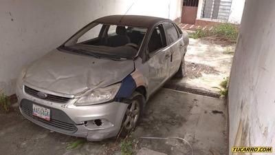 Ford Focus Chocados