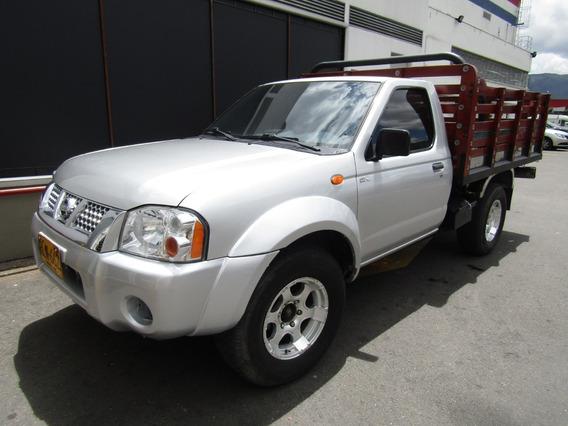 Nissan D-22 Mt 2400cc 4x2 Estacas