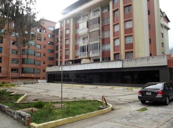 Apartamento De 3 Habitaciones 2 Baños En La Avenida Urdaneta