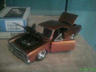Miniatura Plymouth Road Runner Scale 1/24 Ano 1970