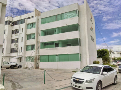 Edifico Tuxtla Gtz De Planta Baja Y Tres Pisos (moctezuma)