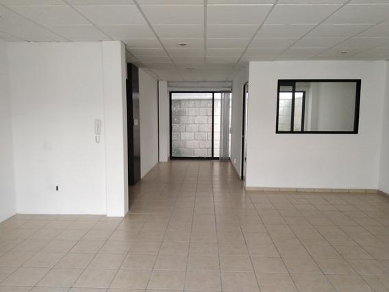 Oficina En Venta En Pueblo Nuevo 100m2