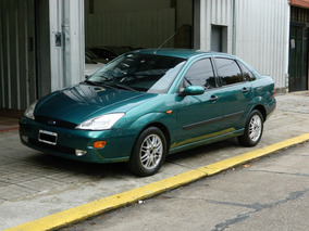 Ford Focus 2.0 Ghia Sedan /// 2000 - 227.000km