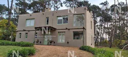 Casa En Laguna Blanca Punta Del Este En Venta- Ref: 4600