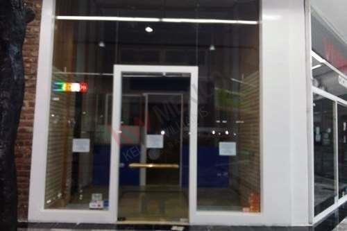 Local Comercial X8 Ubicado En Planta Alta Dentro Del Centro Comercial Interlomas, $20,000.00 Iva Incluido + Mantenimiento