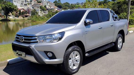 Toyota Hilux Srv Cd 2.7 Flex 4 X 2 - Novissima Sem Detalhes