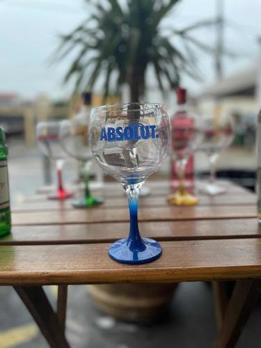 Imagem 1 de 5 de Taça De Gin, Tanqueray, Absolut, Gordons, Beafeeter,