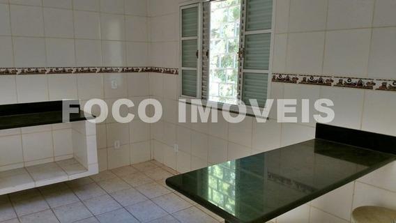 Casa + Quitinet Em Condomínio Fechado!