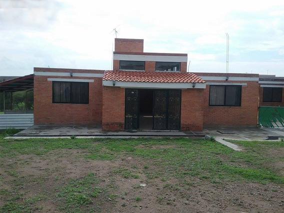 Venta Dos Casas De Campo Y Terreno De Una Hectárea
