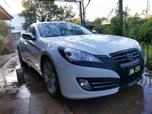 Impecable Hyundai Génesis 2.0 Turbo