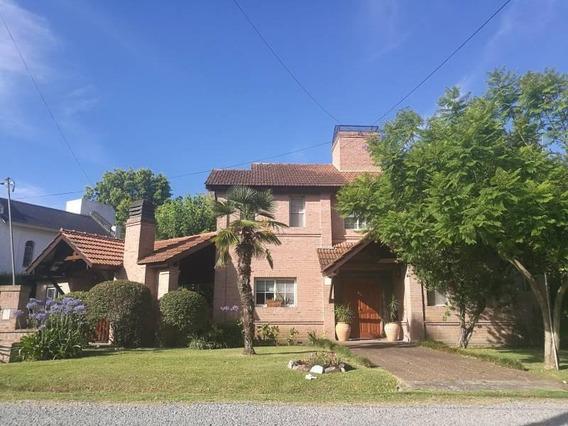 Vende Hermosa Casa Con 3 Dormitorios En El Casco Country Club